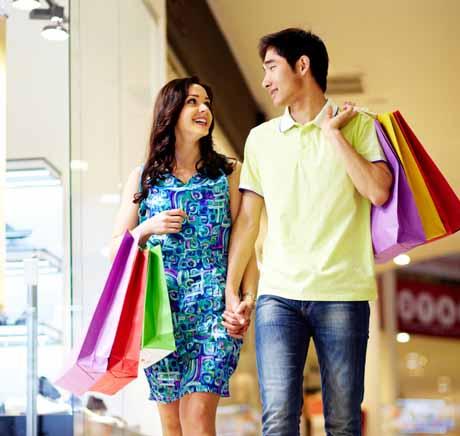 Khu mua sắm ngay tại tầng trung tâm thương mại