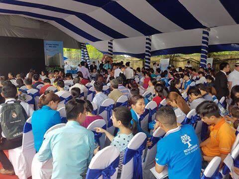 khách hàng tham dự khai trương nhà mẫu tại Saigon Gateway